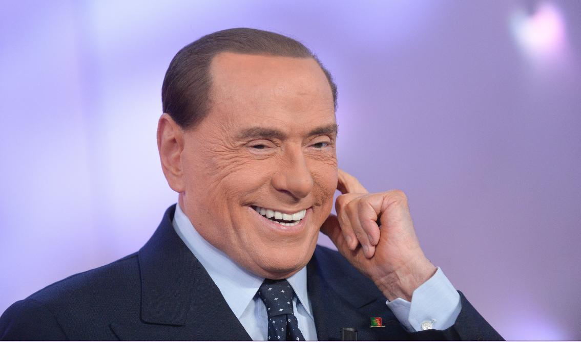 Si rifiuta di servire il gelato a Salvini, perde il posto