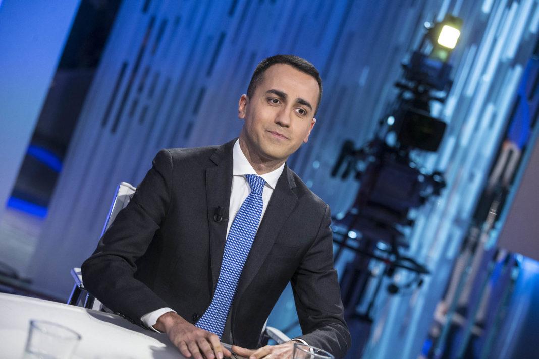 Di maio mette fretta a salvini e rivela parlamentari in for Parlamentari forza italia