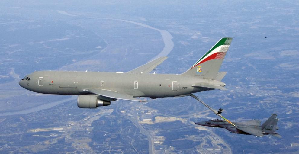 Quanto Costa Un Aereo Da Caccia : Siria aereo italiano da rifornimento entra in giordania