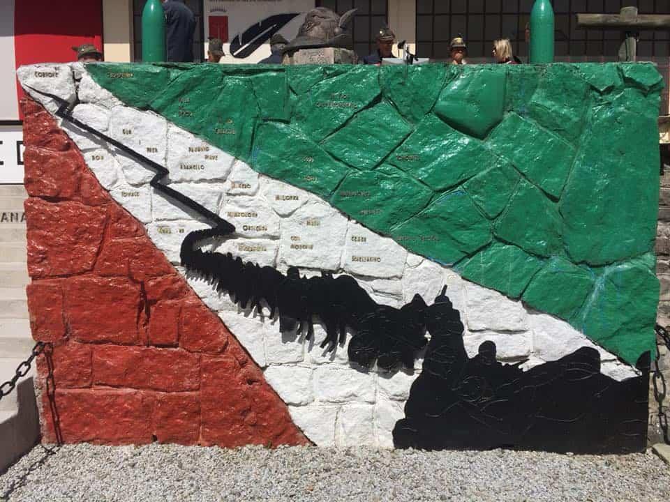 Nel corso dell evento sono state ricordate le gloriose battaglie nelle  campagne di Libia ed Eritrea di fine 1800 e sui fronti della prima e  seconda guerra ... d744156e223c