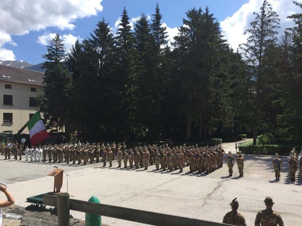 Alpini in festa nel ricordo dei caduti. E le penne nere ripartono per il  Kosovo 0e32f0ffcdfb