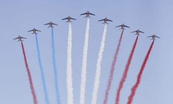 Francia: imprevisti alla parata militare per la festa della Bastiglia
