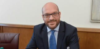 lorenzo Fontana legge mancino