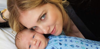 ferragni allattamento social