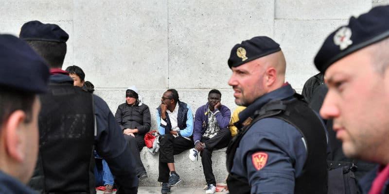 Decreto immigrazione: Salvini vuole stop permessi di soggiorno, ma ...