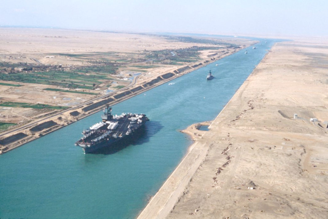 Suez libro Marco Valle