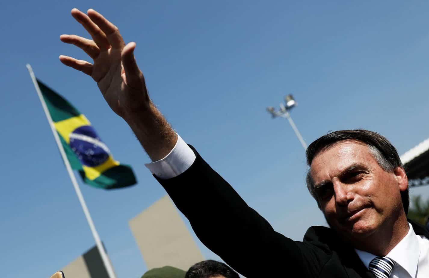 Brasile, exploit dell'estremista di destra Bolsonaro