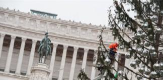 albero di Natale Roma Spelacchio