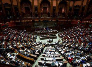 Ok della Camera alla mozione di FdI contro il Global compact