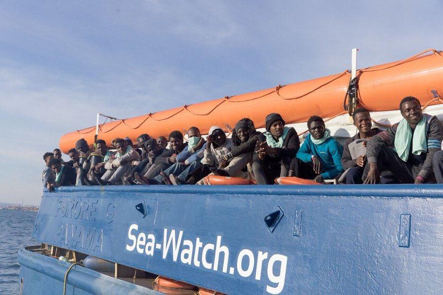 Immigrati a bordo della Sea Watch 3