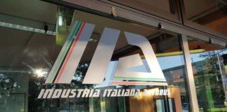 salvataggio industria italiana autobus