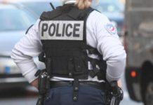 Marsiglia, agente di polizia