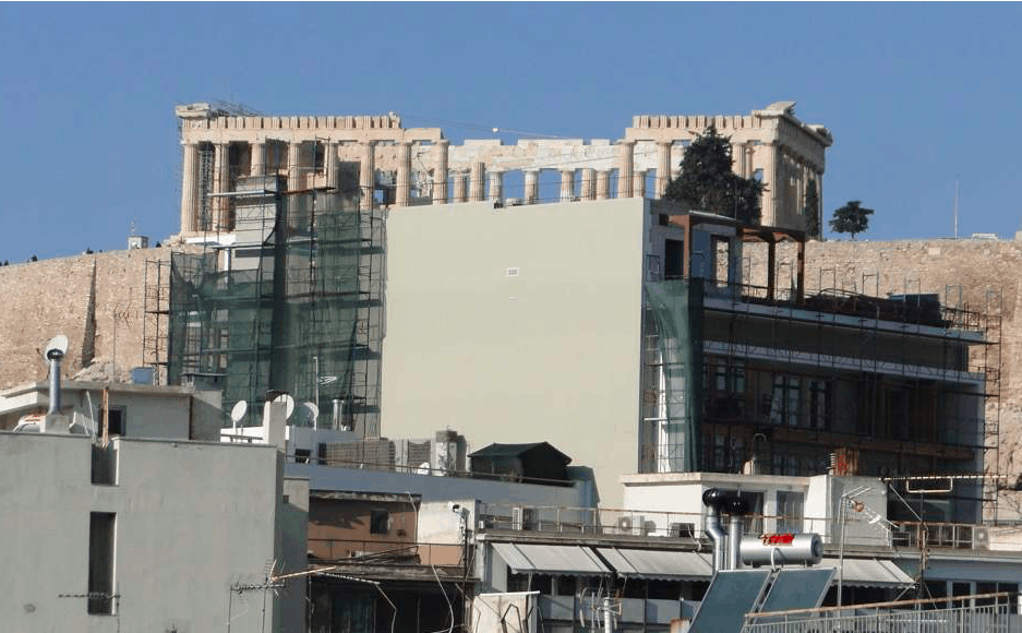 La costruzione di nuovi hotel di 10 piani offuscherà l'Acropoli di Atene