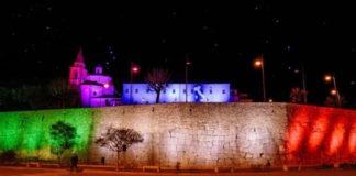 Amelia, mura illuminate con il tricolore