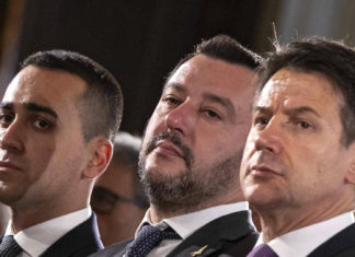 il premier conte con i vicepremier salvini e di maio