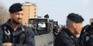 senegalese incendia autobus scolaresca