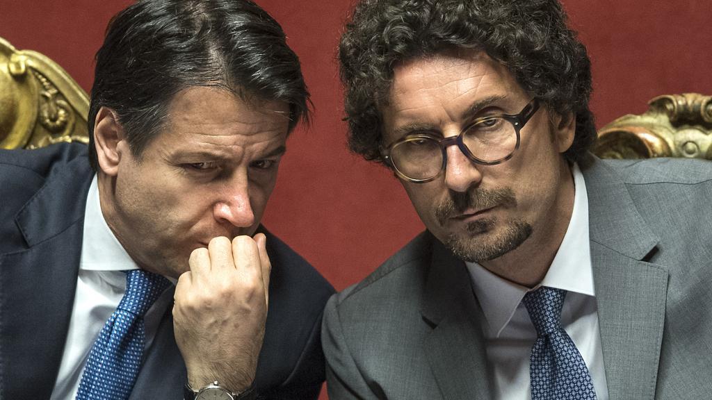 Il premier Conte e il ministro Toninelli