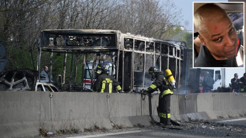 autista senegalese incendia bus