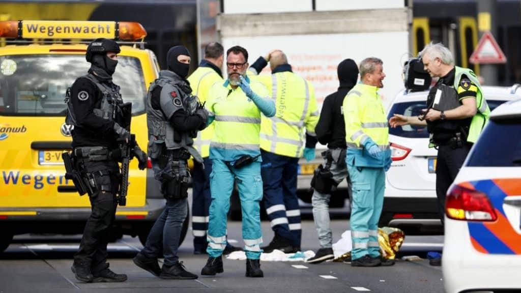 poliziotti antiterrorismo ad utrecht