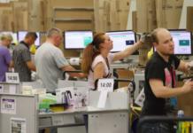 dipendenti amazon licenziati da software