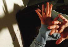 firenze violenza domestica donna picchia bambini