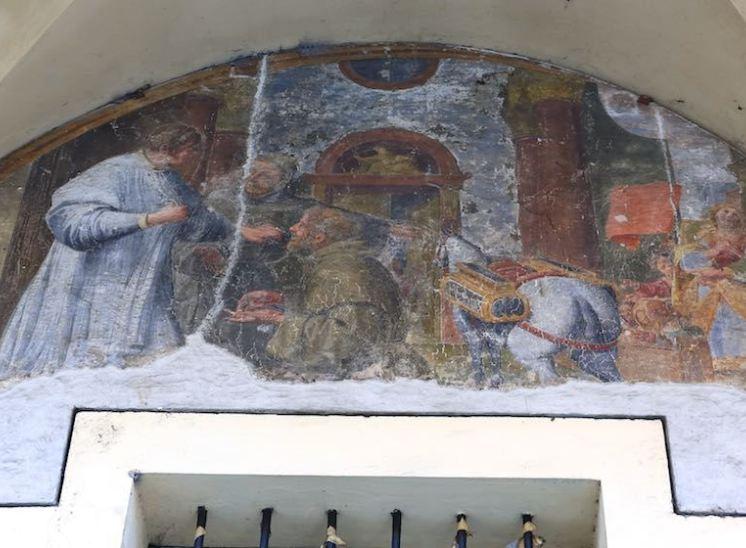 affreschi piazza malpighi degrado