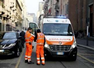 ambulanza a napoli