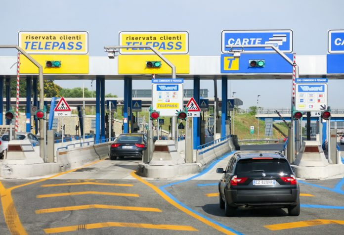 un casello autostradale italiano