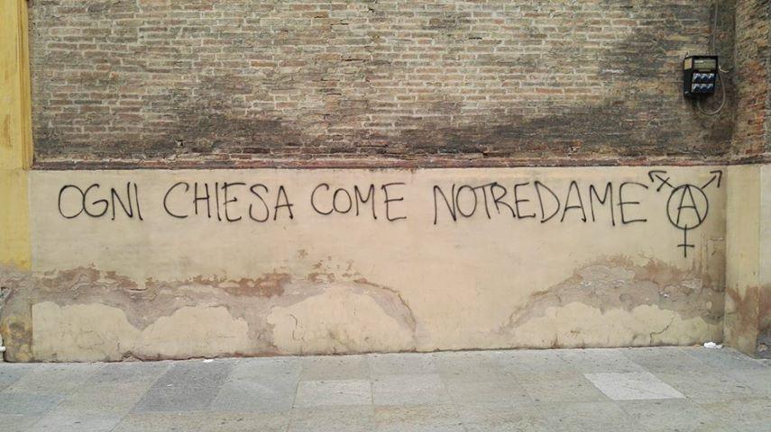 scritta antifascista a modena