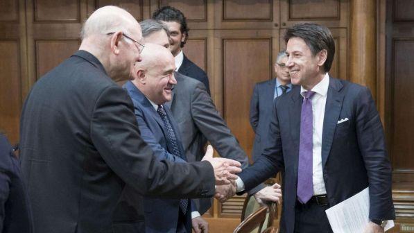 Il premier Conte e i rappresentanti dei risparmiatori