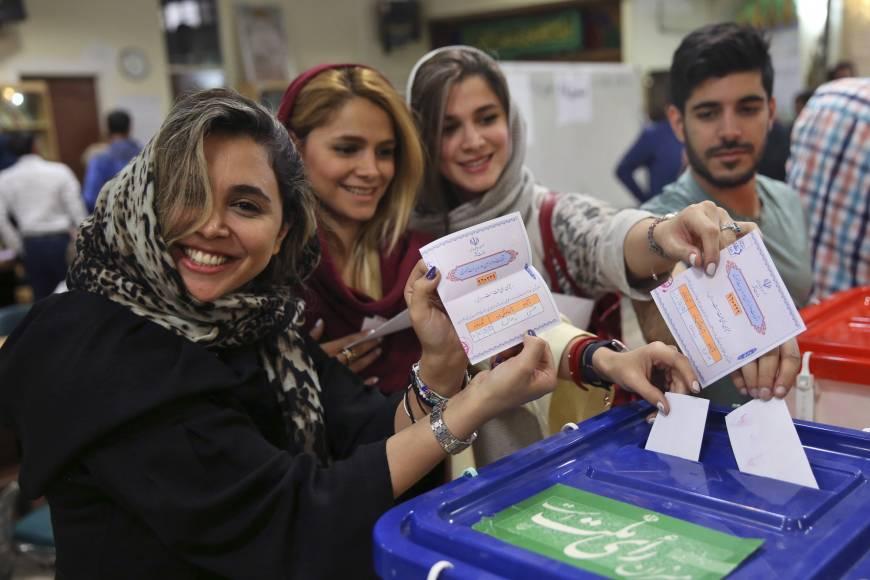 Elettori in Iran