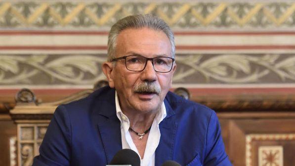 il sindaco di Legnano Gianbattista Fratus