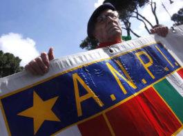 """L'Anpi denuncia CasaPound: """"Sciogliere il partito"""""""