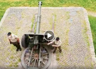Una soldatessa non riesce a far sparare il cannone del Gianicolo