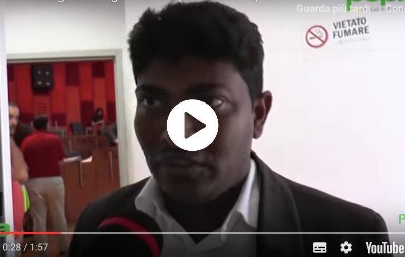 napoli consigliere cingalese non parla italiano