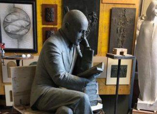 """Trieste, petizione contro statua a D'Annunzio: """"Era razzista"""""""