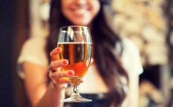 birra italiana, ragazza