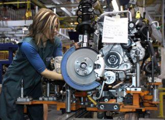 lavoro in fabbrica