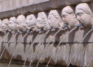 Fontana delle 99 cannelle a L'Aquila, in Abruzzo