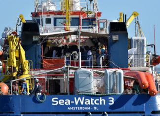 la nave della ong olandese sea watch