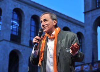Roberto Vecchioni sul palco