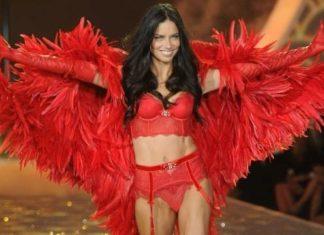 Adriana Lima, Victoria's Secrets show