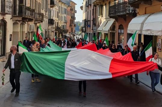 manifestazione sovranista a Pavia