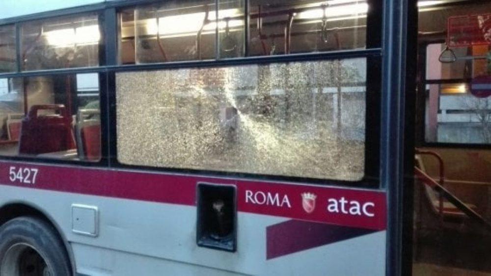bus atac, sfasciato
