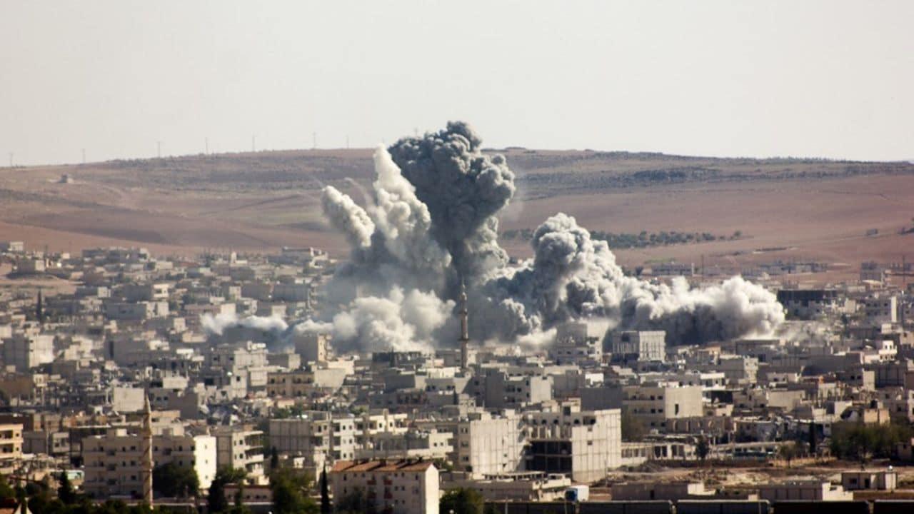 Kobane bombardata