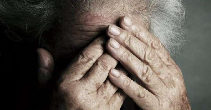 violenza su un'anziana