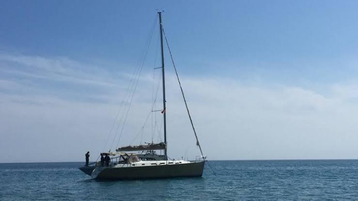 barca a vela, in mare
