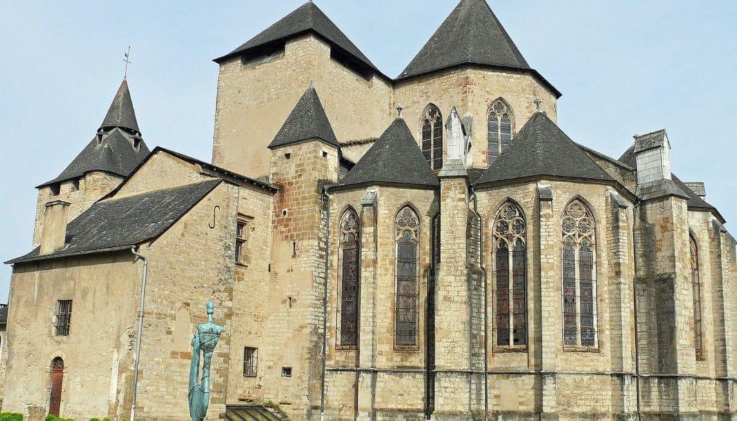 cattedrale oloron, francia