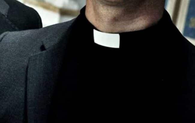 prete, mezzobusto
