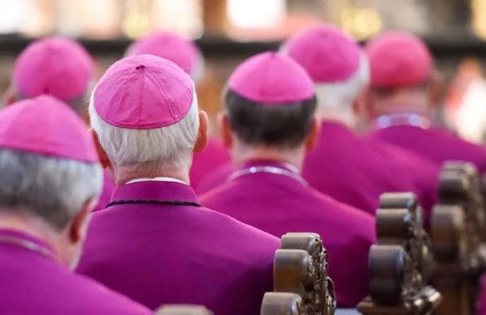 vescovi svizzeri, seduti